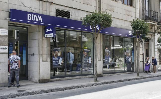 Cuatro años y medio de prisión por atracar un banco en Castro Urdiales