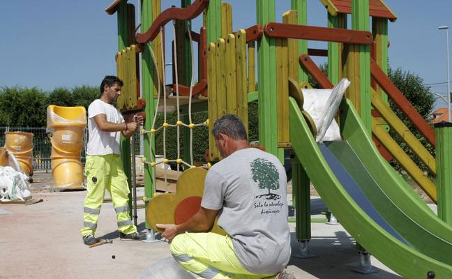 El parque infantil de Ganzo, en Torrelavega, triplicará su superficie