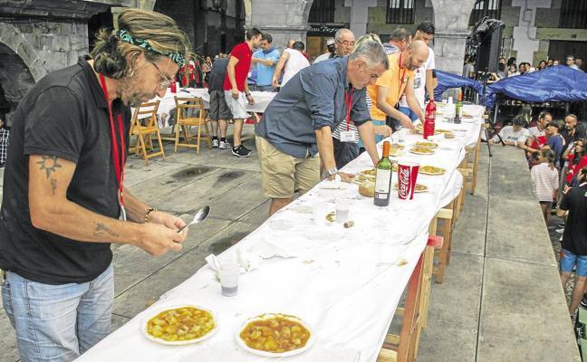 Absuelven al peñista de Castro acusado de amañar el concurso de marmitas