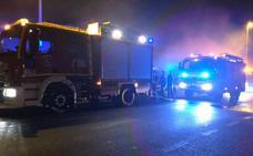 Un incendio en una casa obliga a desalojar una urbanización de Guriezo