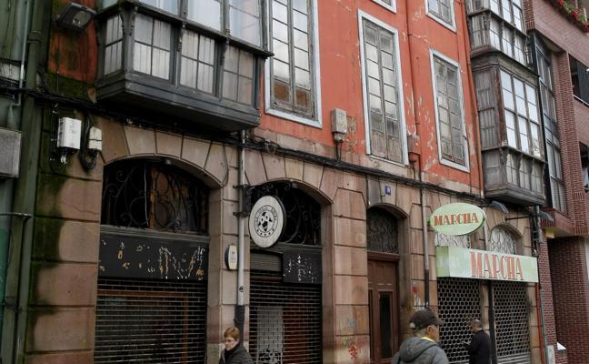 Desalojado un viejo edificio de la calle Argumosa por su estado de «ruina total»