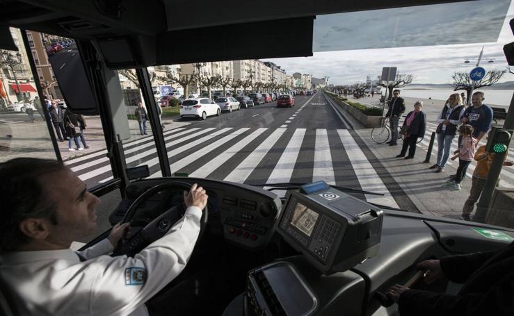 El MetroTus en marcha