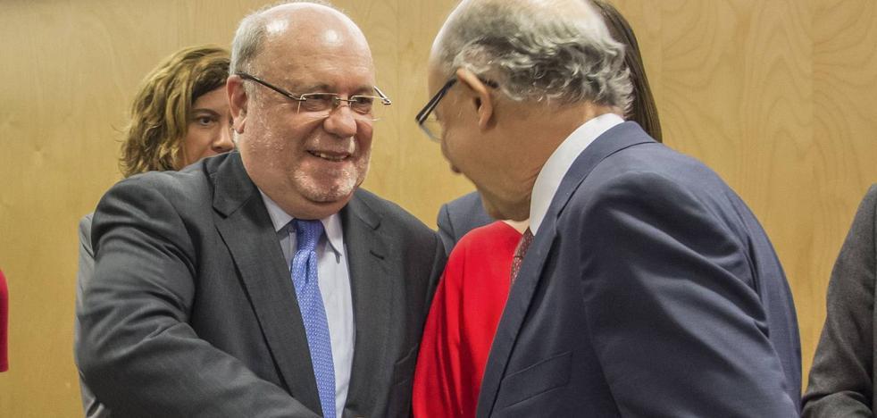 Revilla arremete contra Montoro y le llama «trilero» por congelar el dinero para Cantabria