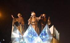 Los Reyes Magos desafían al temporal y llenan de magia las calles españolas