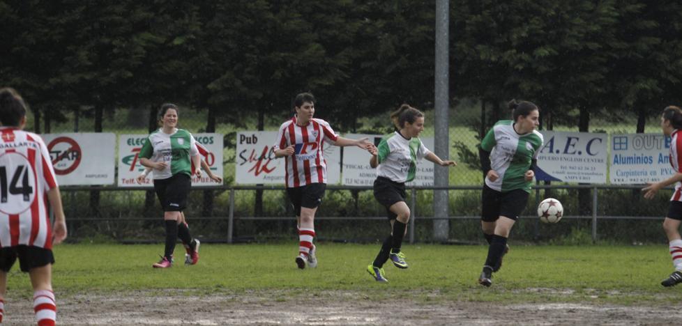 Ampuero reclama la instalación de césped artificial en el campo de fútbol