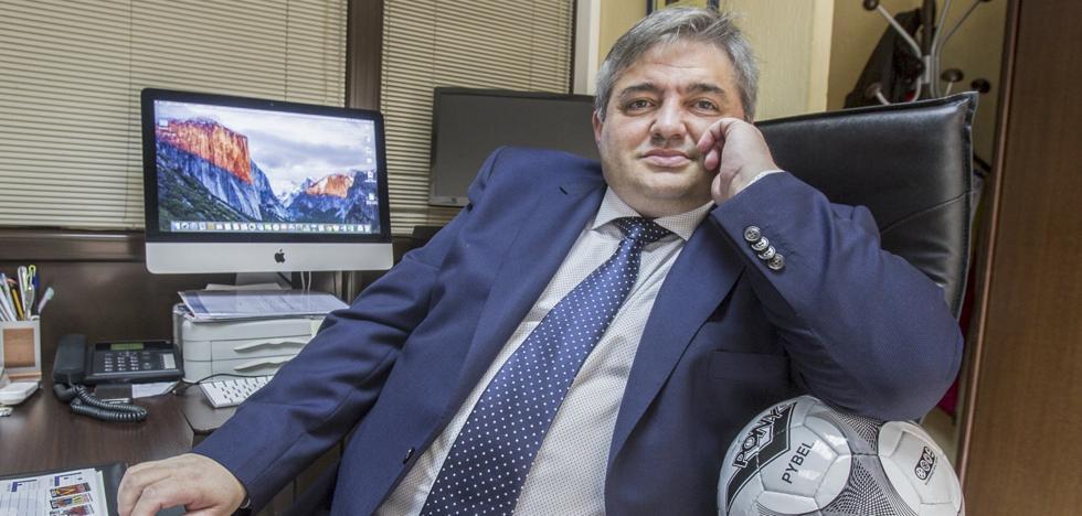Peláez se defiende del expediente abierto por el campo de Tanos ante el CSD