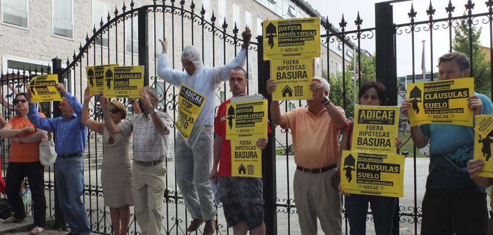 Más de 2.300 cántabros con cláusula suelo esperan sentencia judicial