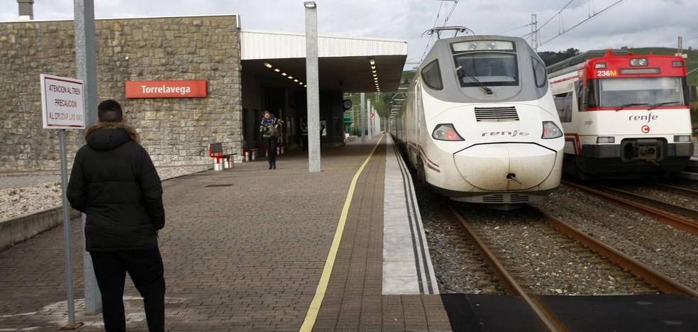 Los sindicatos alertan de que Renfe y Feve han perdido más del 30% de viajeros en Cantabria