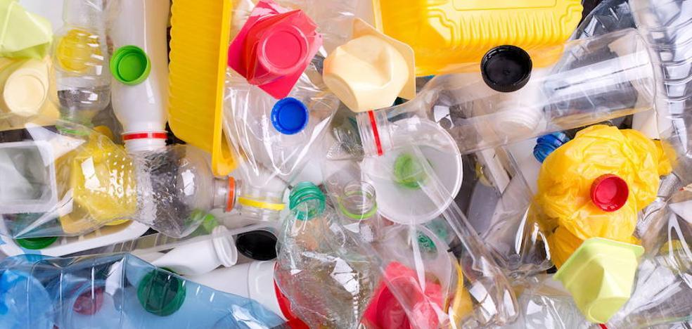 Bruselas estudia crear un impuesto al plástico para aumentar los ingresos de la UE