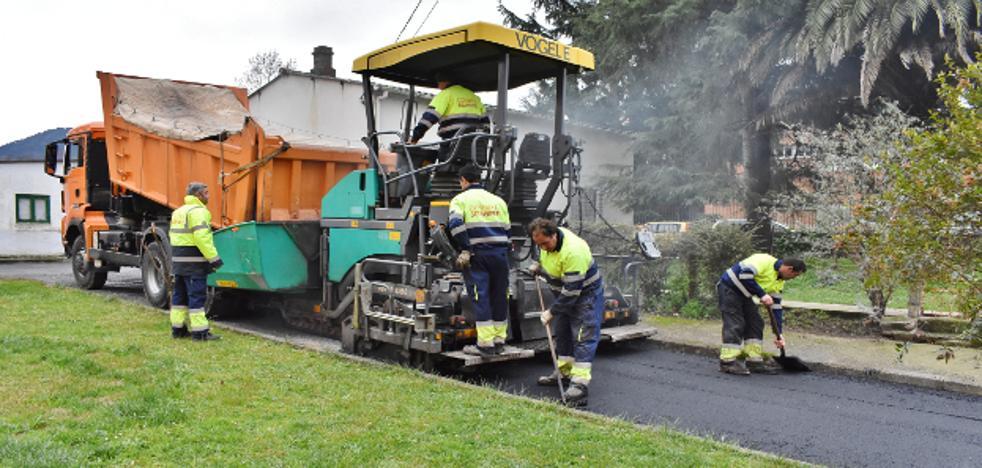 Los Corrales invierte cerca de 300.000 euros para renovar el asfaltado
