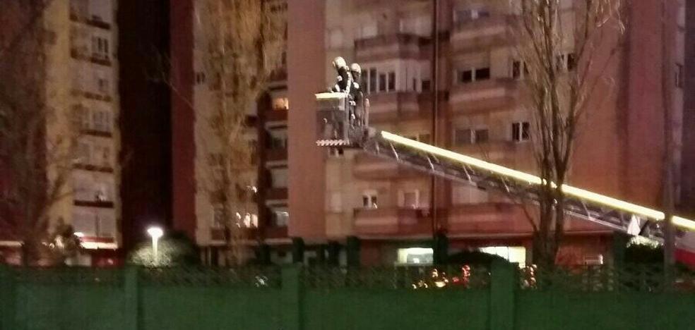 Retiran un poste de las instalaciones 'Nando Yosu' por riesgo de caída por viento