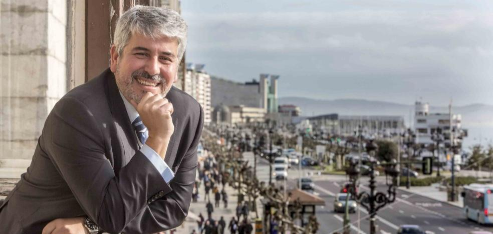 «En parte de la Cantabria rural aún hay barreras logísticas para la banca móvil»