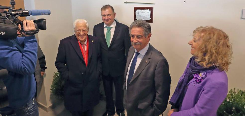 Valdáliga celebra con el padre Ángel la inauguración de su nueva residencia de ancianos