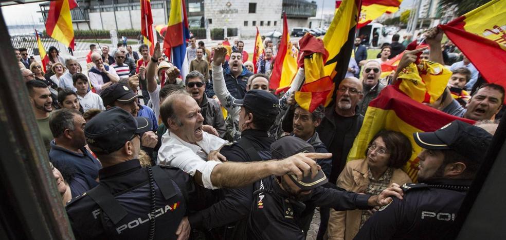 Libres pide la dimisión de Samuel Ruiz por no facilitar información de los altercados en el acto de Podemos