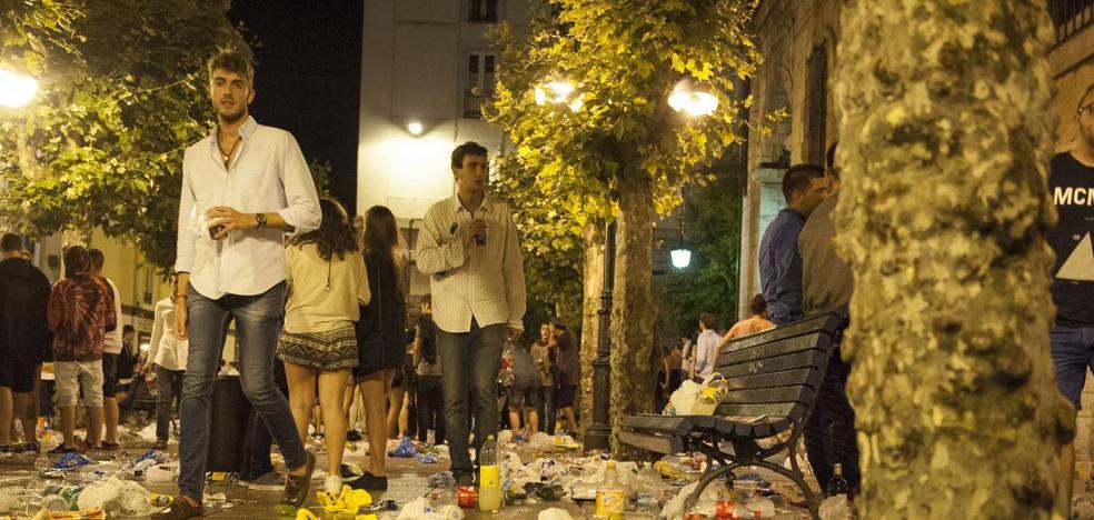 Más de 100 denuncias en Santander en una sola noche por beber en la calle