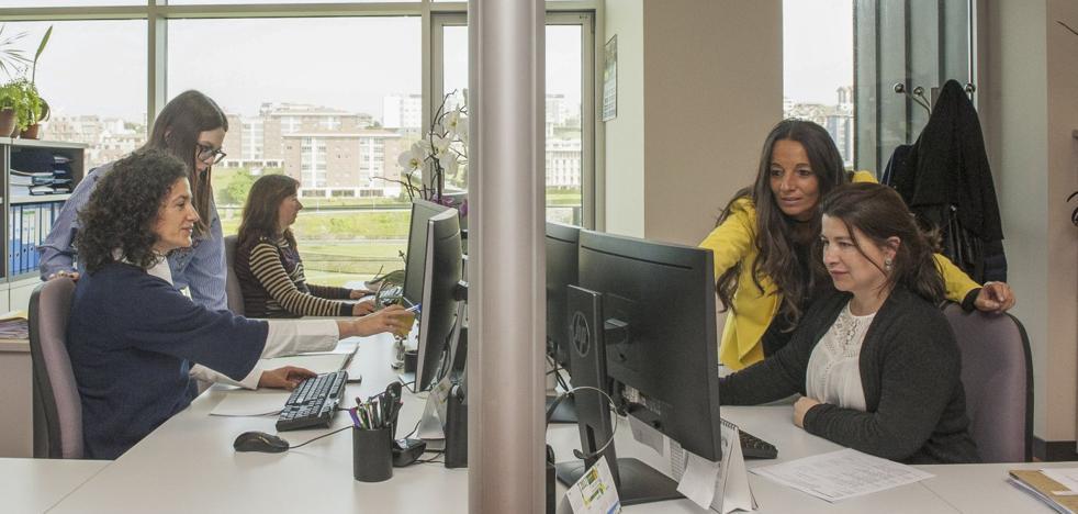 El Tribunal de Cuentas advierte a la UC de que no cumple con la paridad de género