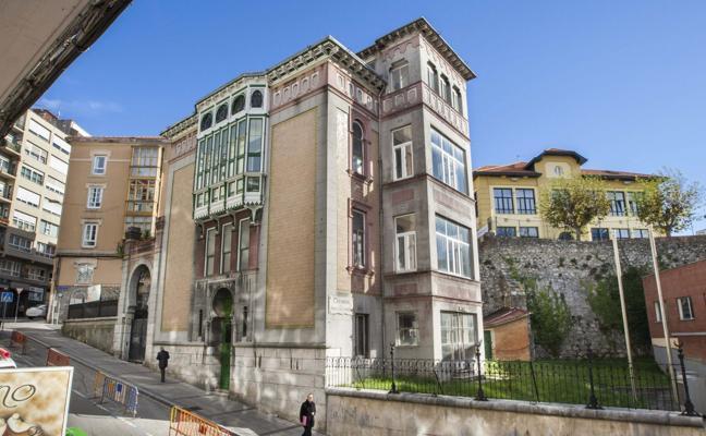 Pacto entre Fomento y el Ayuntamiento para el uso del palacete Cortiguera