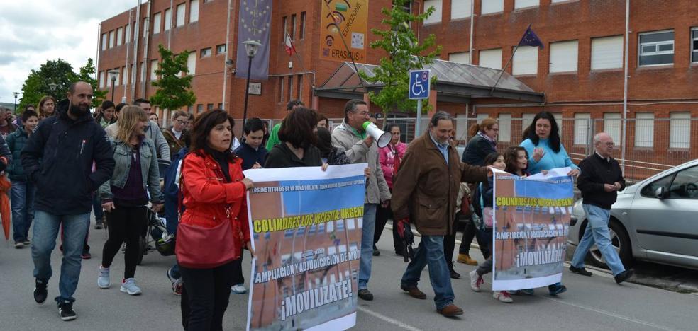 El AMPA del instituto de Colindres se siente «engañada» por la Consejería de Educación