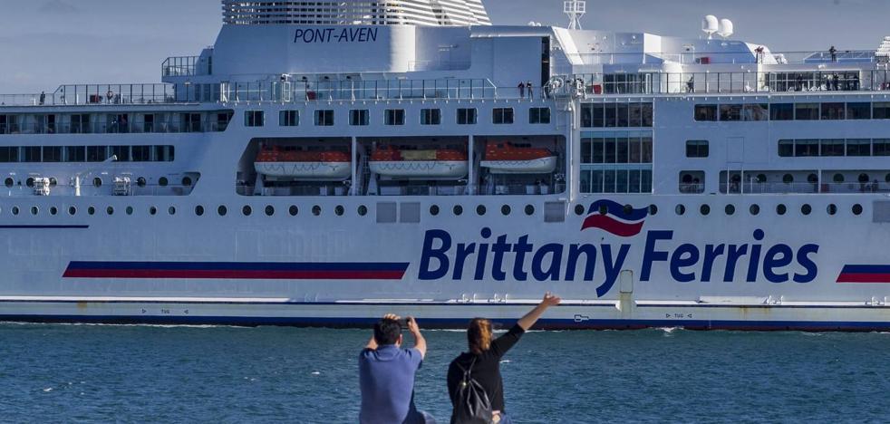 El Gobierno vasco confía en atraer a los turistas que vengan a Santander en el ferry de Irlanda