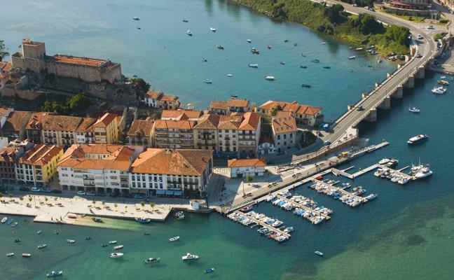 IU impulsa una protesta contra el «macroproyecto» del puerto deportivo de San Vicente