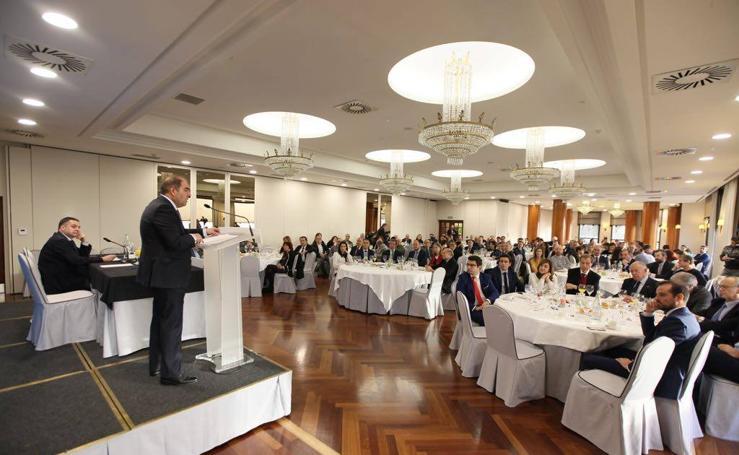 Lorenzo Amor, presidente de ATA, en el Foro Económico de El Diario Montañés