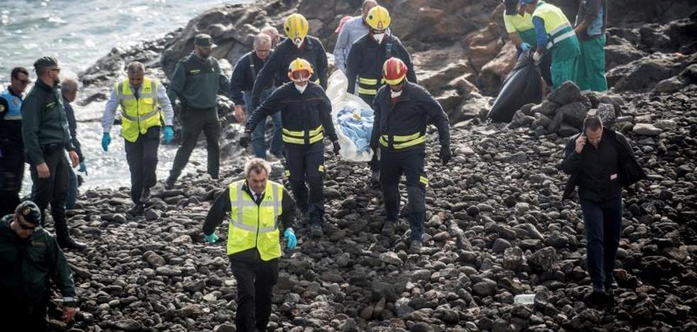 Los siete muertos de la patera de Lanzarote sufrieron hipotermia y ahogamiento