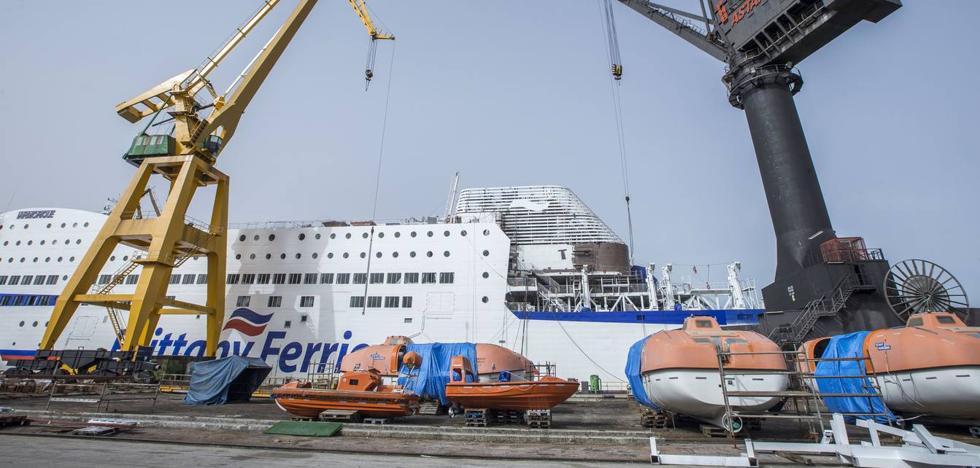 De la Serna: «La nueva conexión del Puerto de Santander con Cork creará empleos en Astander»