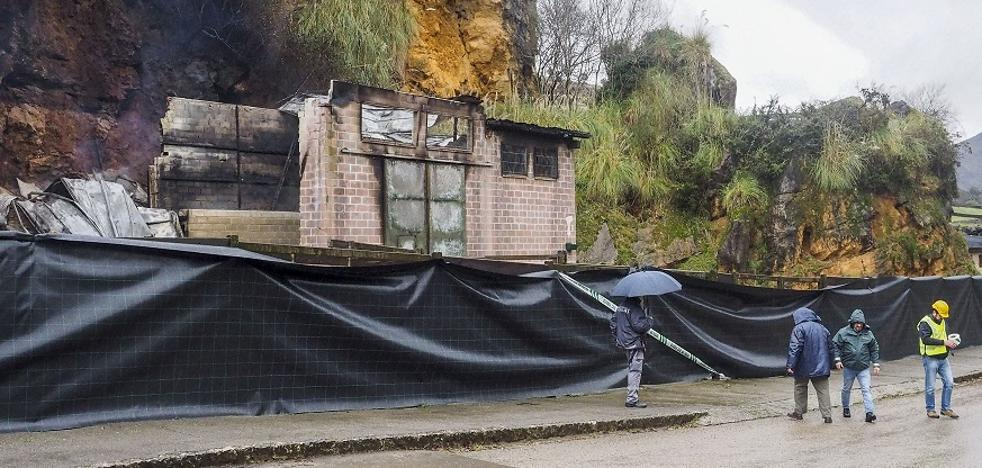Archivada la causa por el incendio que mató a las tres jirafas de Cabárceno