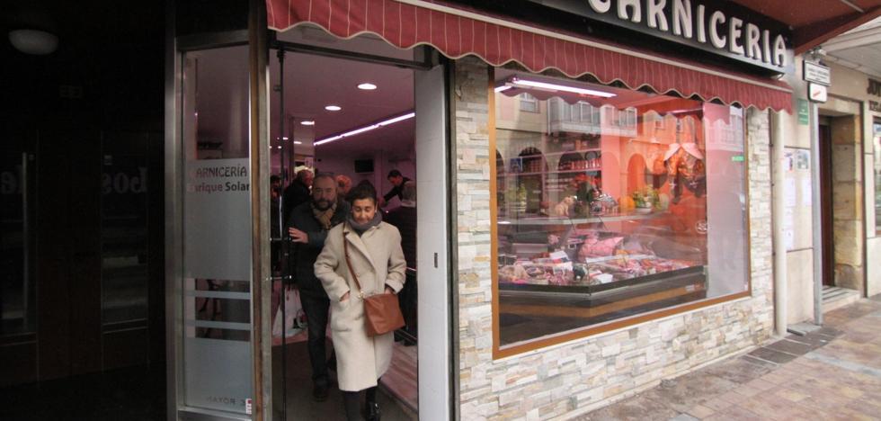 El comercio de Reinosa se rebela contra la decisión de abrir el Día de San Sebastián