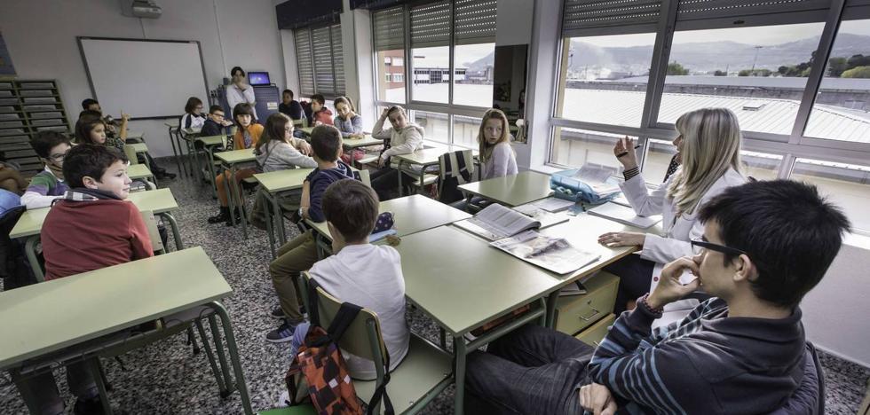 Cantabria tiene 37 clases de Infantil y Primaria que superan el tope de 25 alumnos