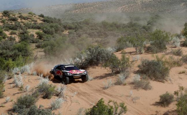 Carlos Sainz, a 120 kilómetros de conquistar su segundo Dakar