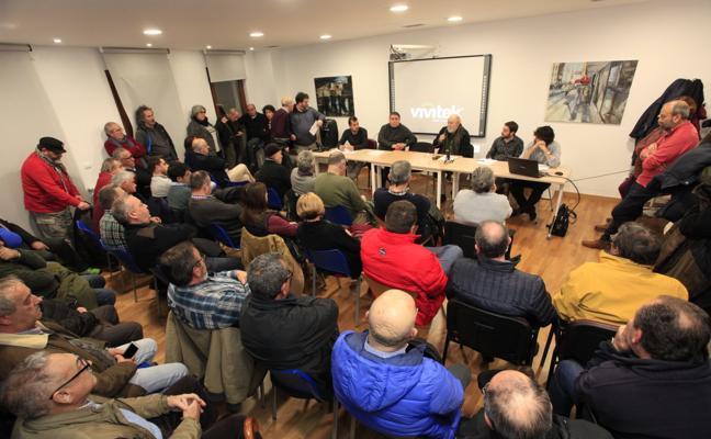 El proyecto del puerto deportivo divide a San Vicente de la Barquera