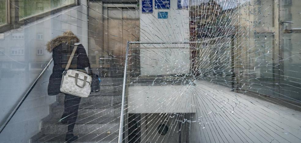 Los aparcamientos subterráneos de Tetuán, Pombo y Ayuntamiento acumulan deficiencias