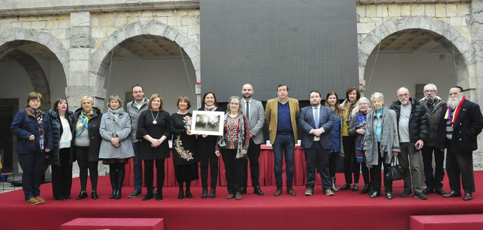 El Parlamento recuerda a las 100 víctimas cántabras del holocausto nazi