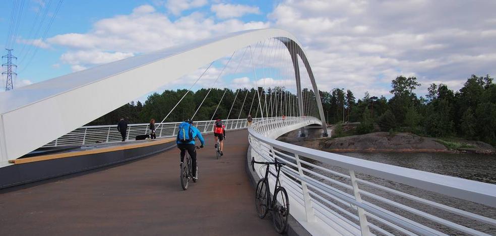 Una pasarela sobre el río unirá Torrelavega con el complejo deportivo y el carril bici