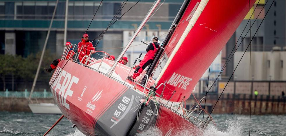 El 'Mapfre' acaba cuarto la regata in-port de Hong Kong