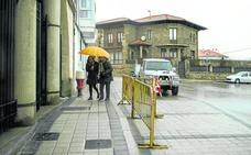 Reinosa finaliza la reforma de la acera de la Calle La Nevera