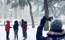 Diez estudiantes cántabros serán becados por la Fundación Amancio Ortega