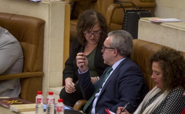 El Parlamento de Cantabria se une para pedir a Fomento que vuelva a 'encender' las autovías