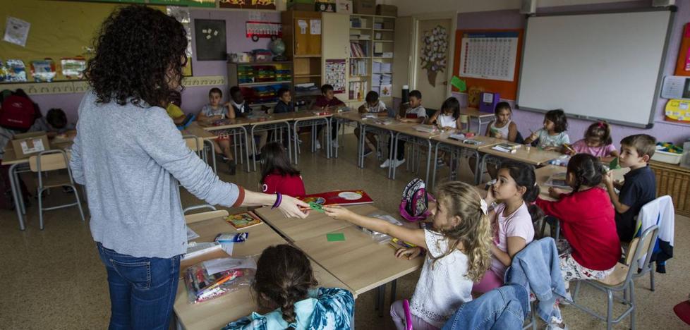 Mañanes frena la subida salarial reivindicada para los profesores