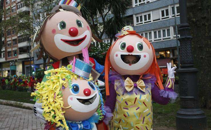 Medusas y muñecas de goma eva toman Santander