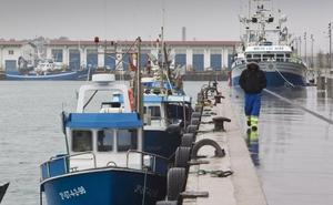 La flota de artes fijas y la Consejería plantean un paro biológico de un mes