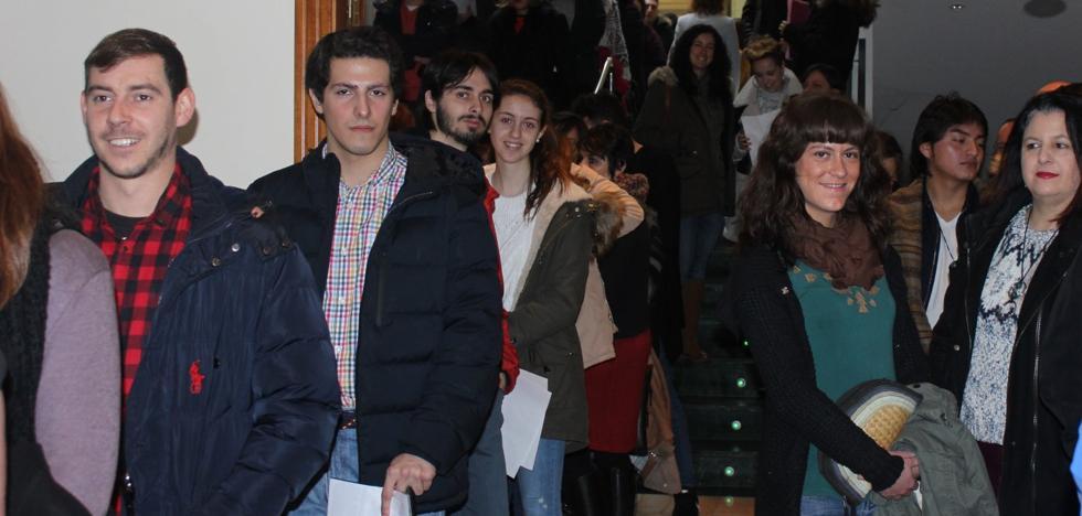 Cerca de mil personas se presentaron al casting para la película de terror 'Burga'