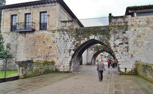 Cartes reclama al Gobierno la cesión del edificio de los torreones medievales