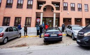 La jueza mantiene en prisión preventiva a los tres exjugadores de la Arandina