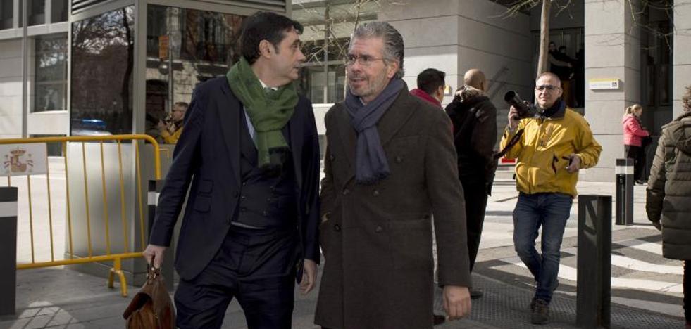 Granados dice que González dirigía la «caja b» de Aguirre y que Cifuentes la conocía