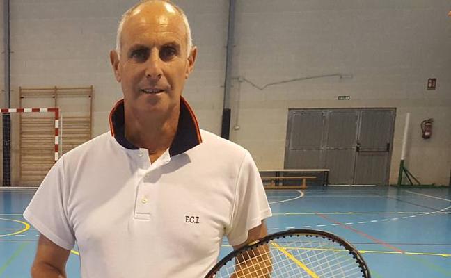 «El tenis en Cantabria está bajo de defensas»