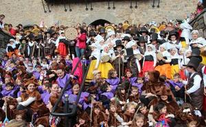 Los niños lebaniegos van de carnaval
