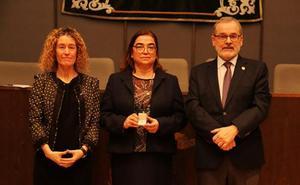 Virgina Cuñat toma posesión del cargo de decana de la Facultad de Filosofía y Letras de la UC