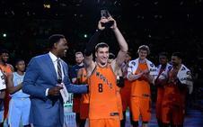 Bogdanovic y sus compañeros foráneos cosen a triples a EE UU